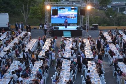 Eyüpsultan Belediyesi, Güzeltepe Mahallesi, açık hava iftarı, Eyüpsultan belediye Başkanı Deniz Köken