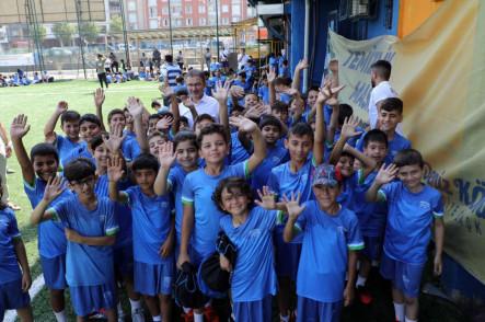 Eyüpsultanlı miniklerin futbol turnuvası heyecanı